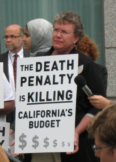 an opinion that the death penalty can save lives by deterring crime Ielts writing task 2/ ielts essay: you should spend about 40 minutes on this task write about the following topic: by punishing murderers with the death penalty, society is also guilty of committing murder.
